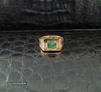 Мужской перстень с изумрудом 1.03 Ct